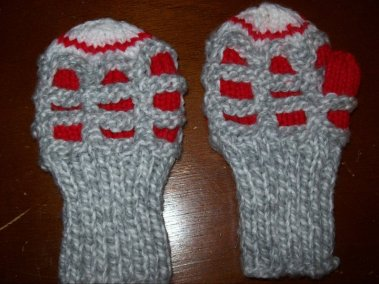 Toddler_Bubble_Mitts